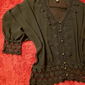 Entro elegant top with lace details
